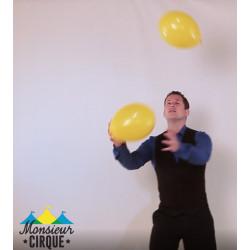 Séance vidéo avec ballons de baudruche en classe entière